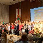 Schüler-Lehrer-Chor zur Verabschiedung des Ortsvorstehers